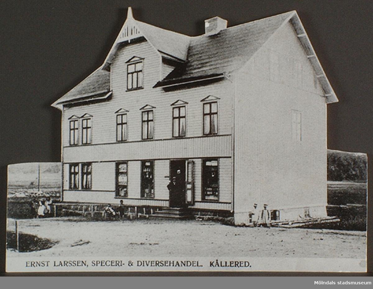 Ernst Larssen, speceri- och diversehandel i Kållered. Okänd person och årtal.