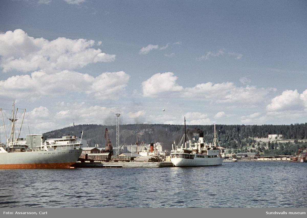 Båtar i Sundsvalls hamn.