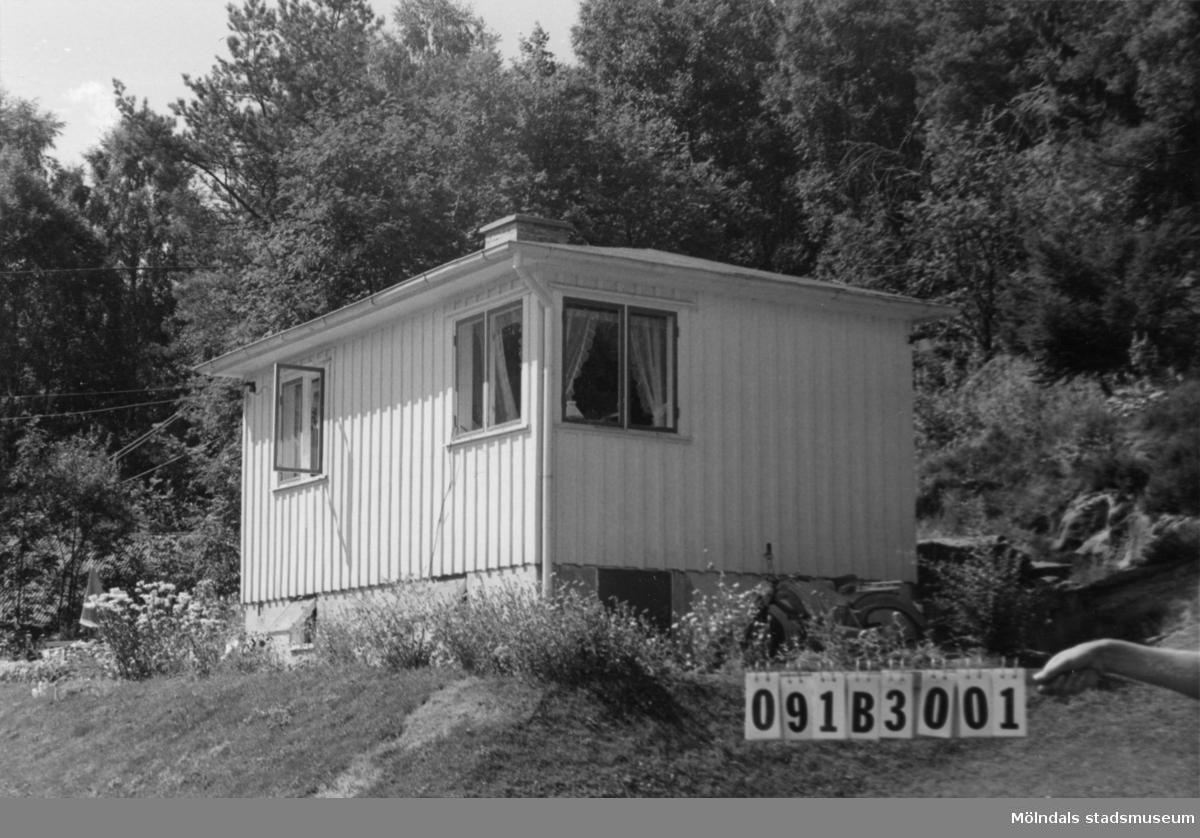 Byggnadsinventering i Lindome 1968. Greggered 3:59. Hus nr: 091B3001. Benämning: fritidshus och gäststuga. Kvalitet: god. Material: trä. Tillfartsväg: framkomlig. Renhållning: soptömning.