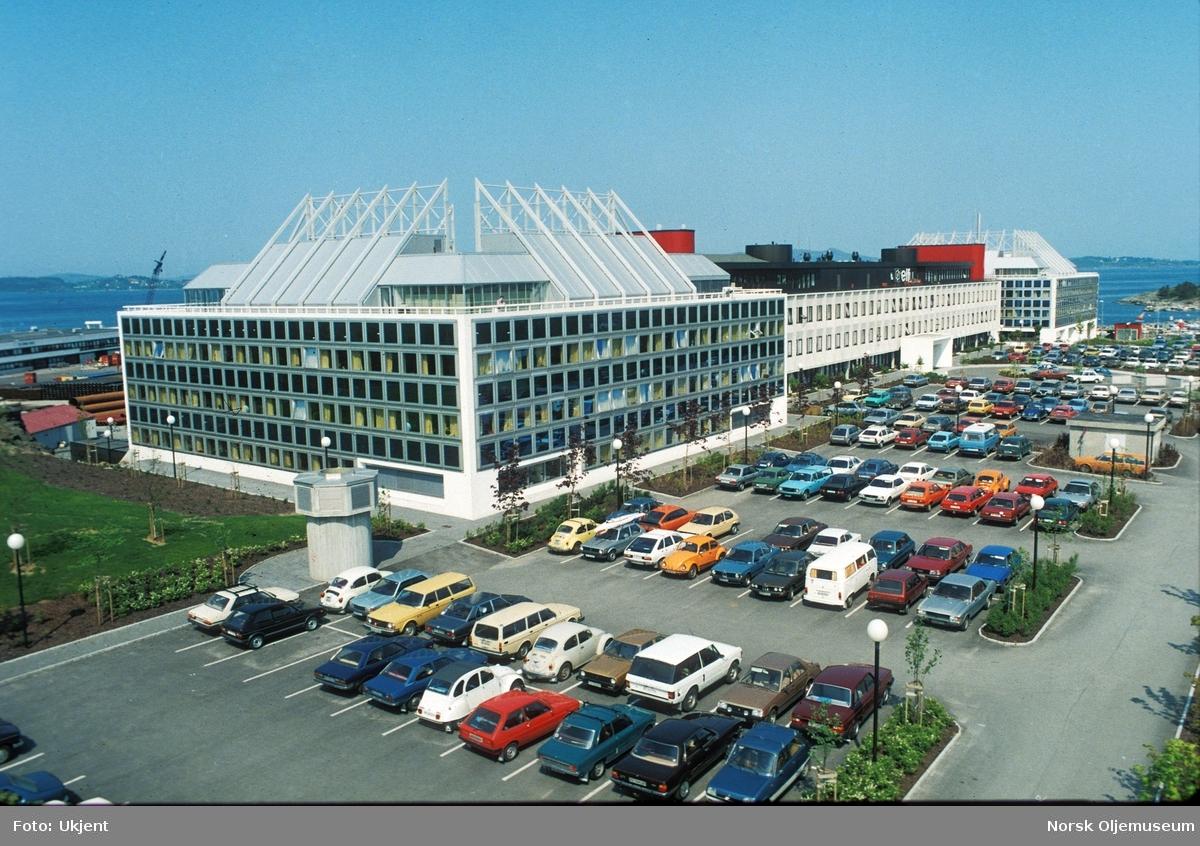 Total sine kontorer i Dusavik