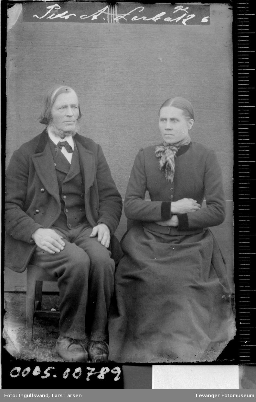 Portrett av mann og kvinne.