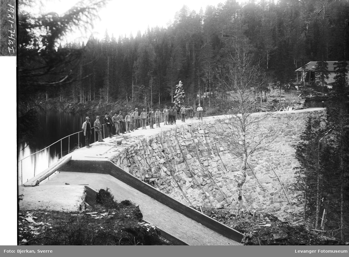 Dammen ved Tvåråsjøen i Frol II