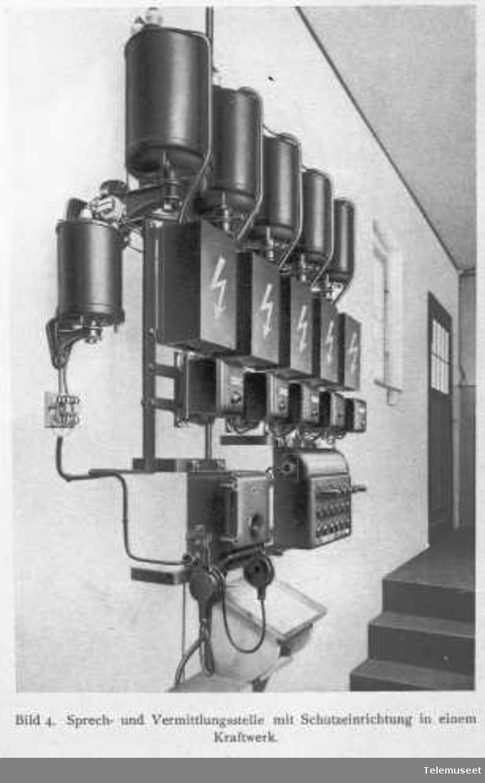 Telefon for høyspenningsanlegg, Siemens.Tale- og formidlingsstasjon med beskyttelsesanordning ved kraftstasjonen. Elektrisk Bureau.