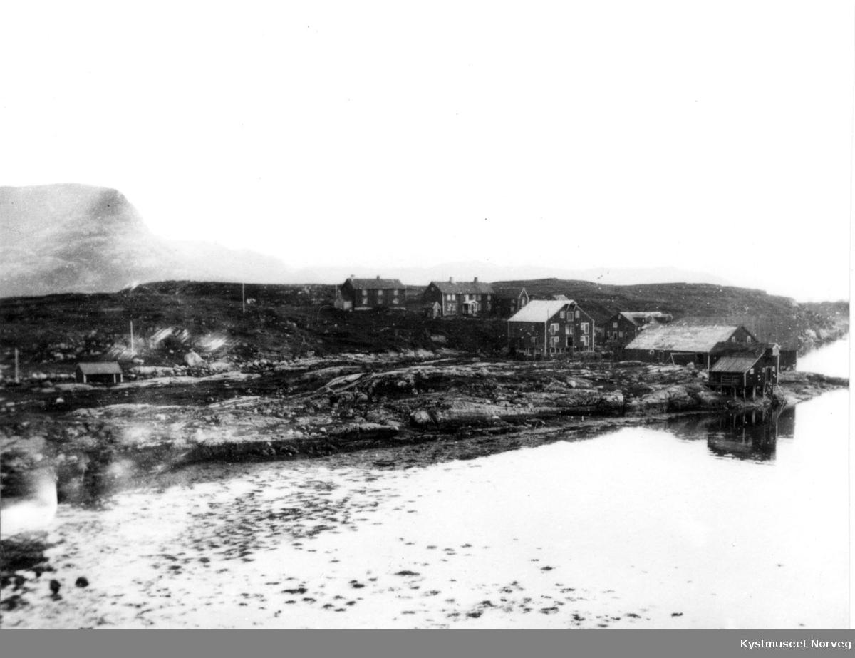 Risværet i Nærøy sett fra sjøen