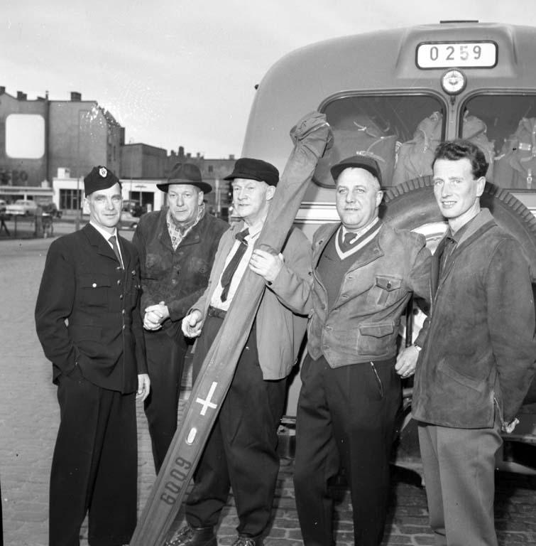 """Enligt notering: """"Skidfrämjandet resa till Norge 3/4 -60""""."""