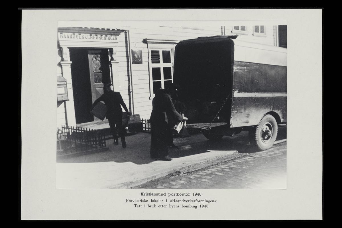 eksteriør, postkontor, 6500 Kristiansund, postkasse, postskilt, bil, postpakker