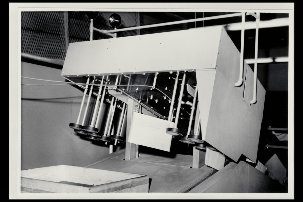 interiør, Postgirokontoret, brevavdelingen, brevstemplingsmaskin