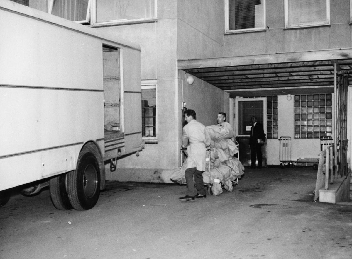 transport, bil, Lillehammer-Oslo, lastebil, innelukket, postsekker, lasting, to menn