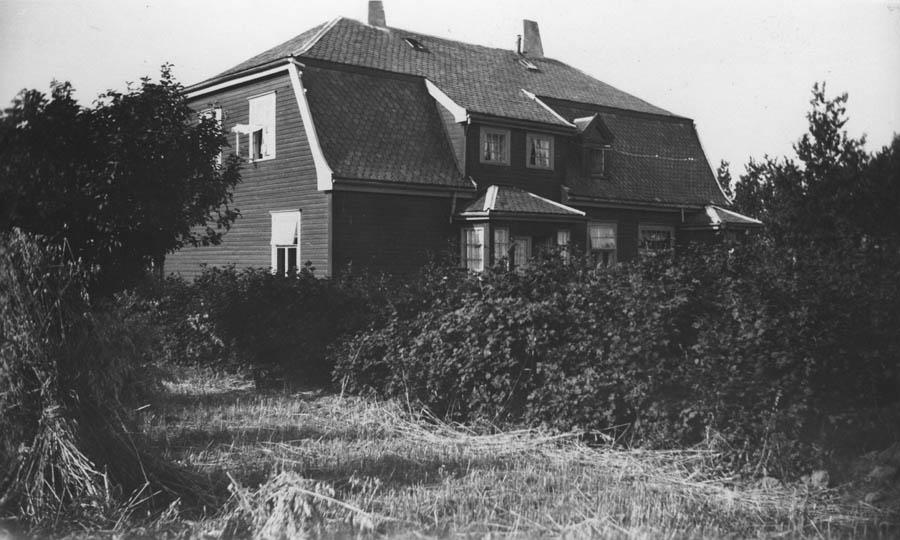 """""""Kringsjaa"""", slik det så ut i 1922. Fasade mot nord. """"Kringsjå"""", slik det så ut i 1922."""