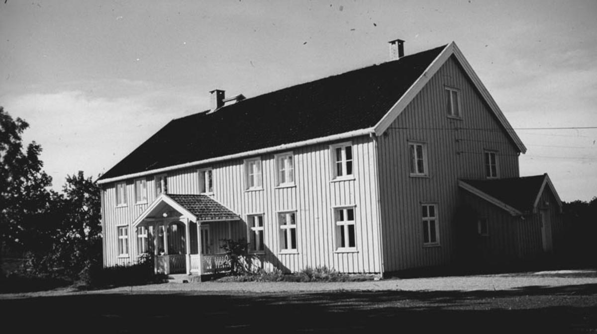 Hovedhuset på gården Norderås, eier NLH