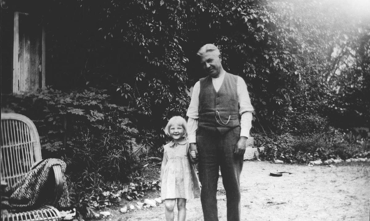 Barn & eldre mann