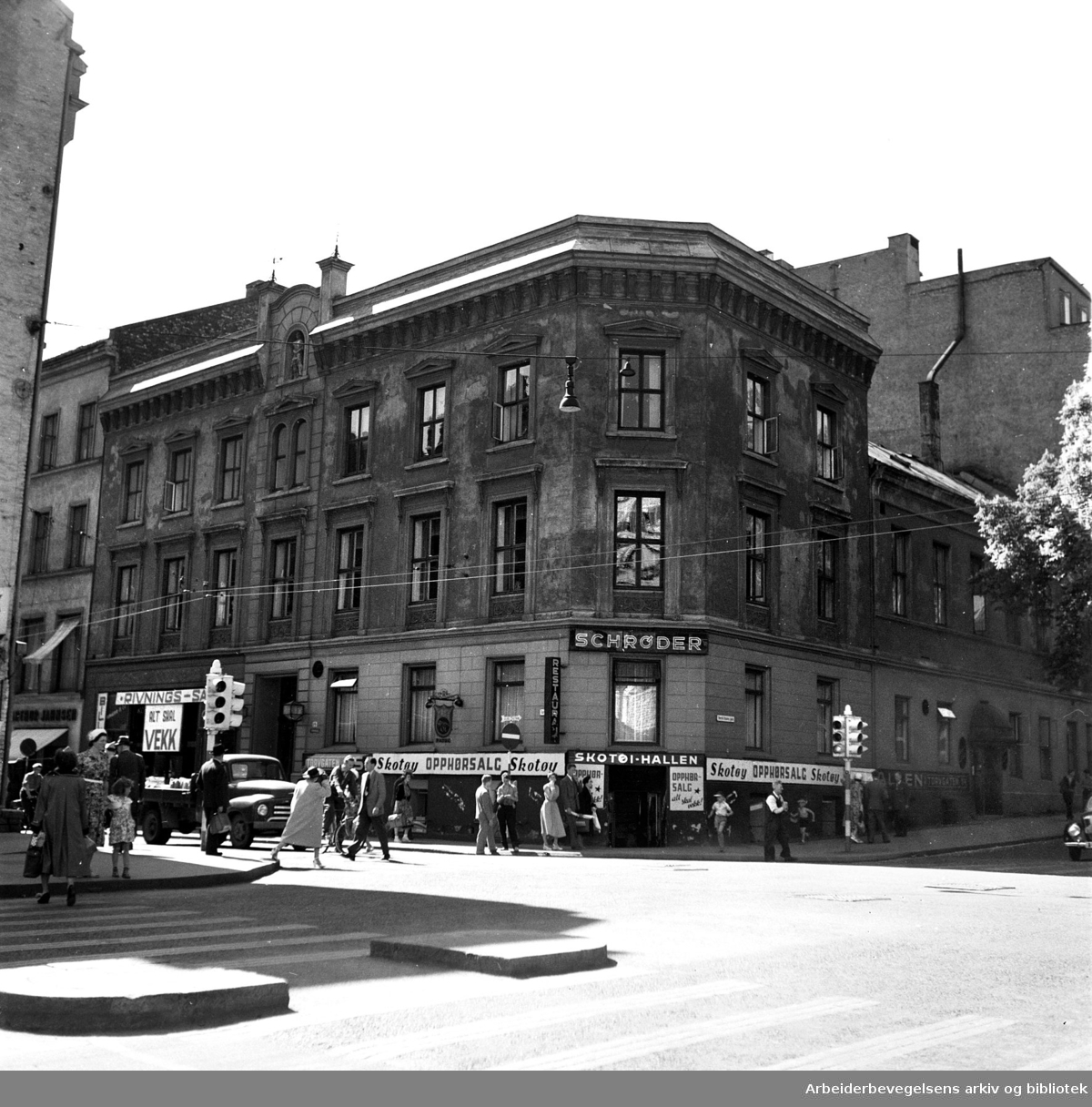 Restaurant Schrøder i Torggata 14 (Gamle Oslo Arbeidersamfund), .juni 1954