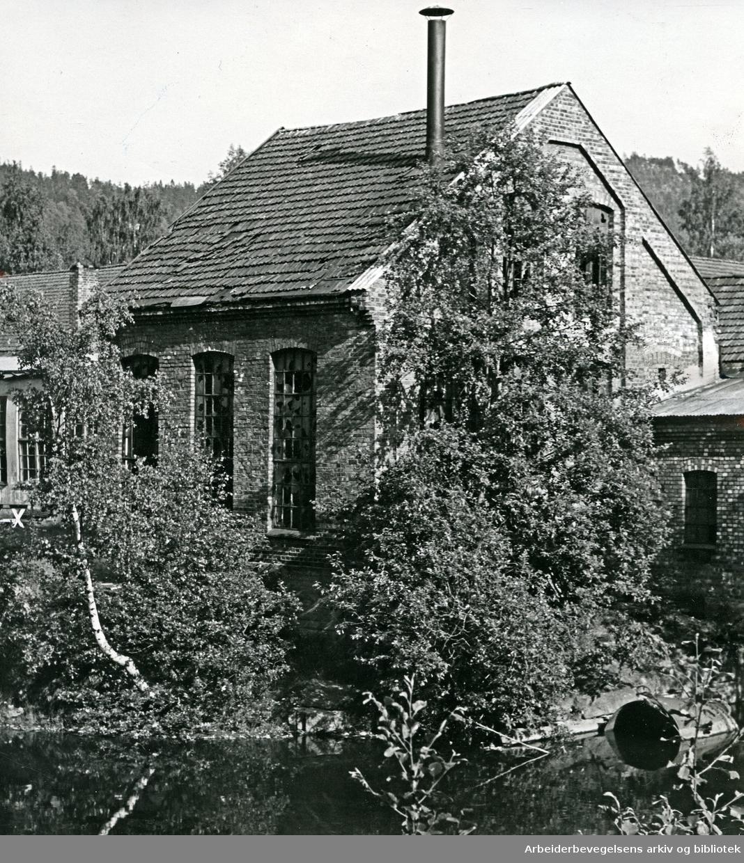 Gammel industribebyggelse ved Frysja på Kjelsås,.juni 1970