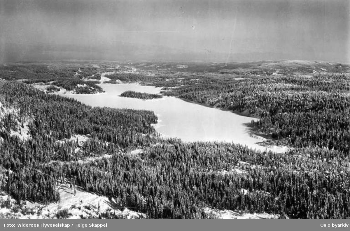Hakkloa sett nordover, vinter, snø (Flyfoto)