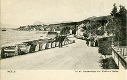 Molde sett fra Strandgata ca 1910. .Alexander Kielland er ut