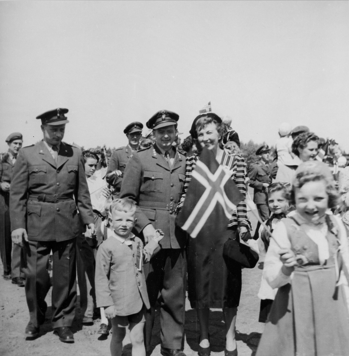 17. mai feiring 1952. Schleswig. Brig. 521.