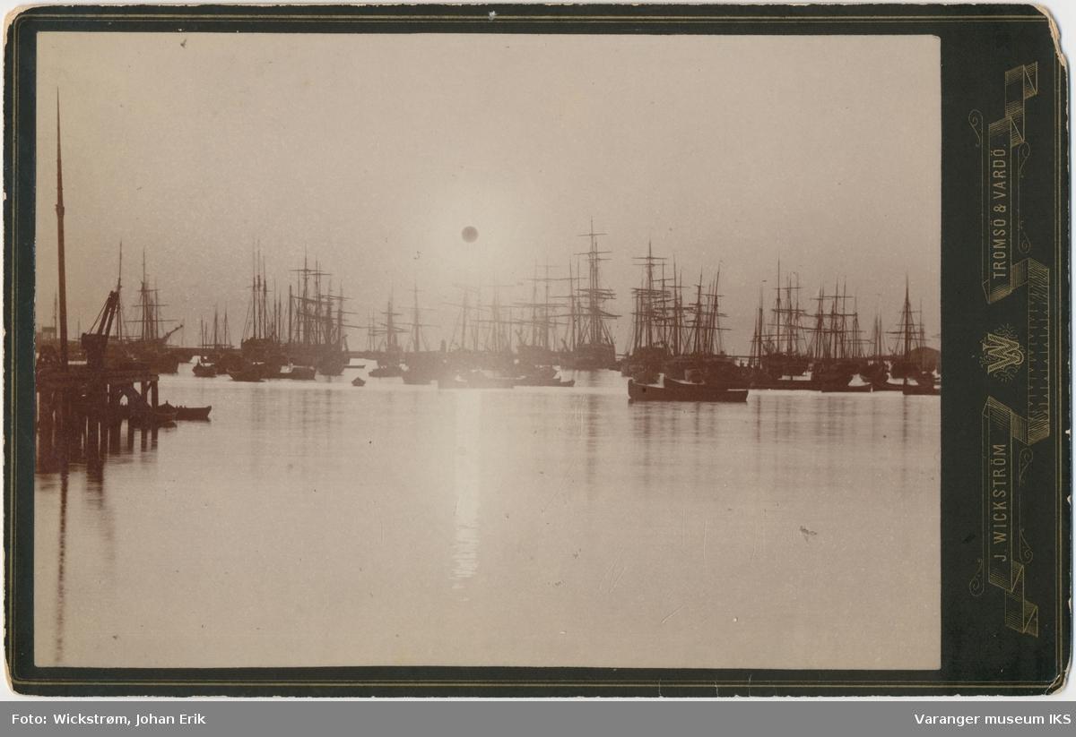 Midnattsol over Nordre Våg, sett fra Tollbodkaia, 1885