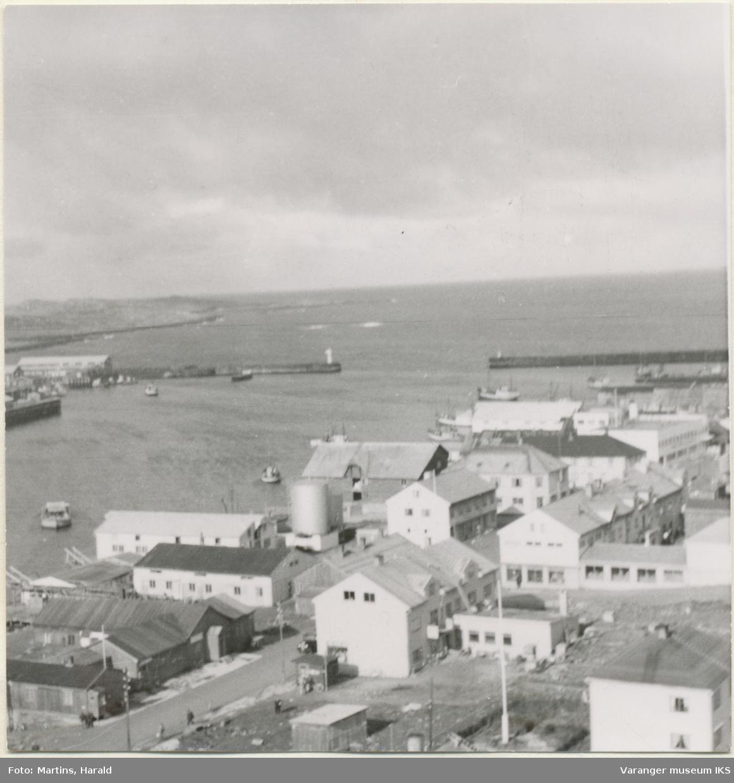 Nordre Våg og Vestervågen, sett fra kirketårnet, 6. september 1956