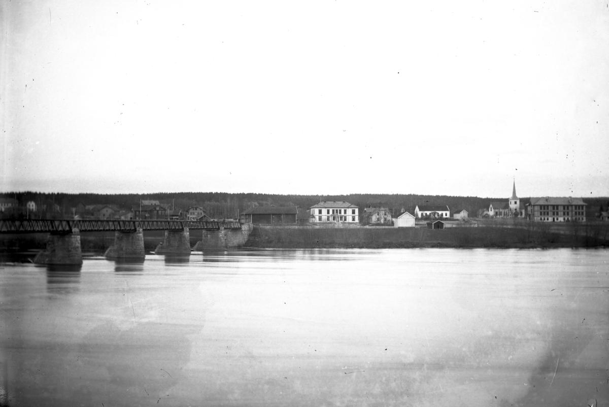 Gamlebrua, Leiret