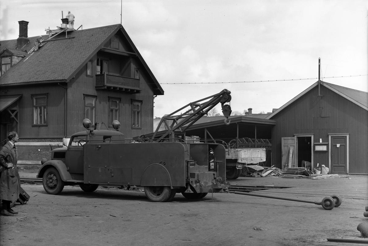 HAMAR JERNSTØPERI OG MEK. VERKSTED, HAM-JERN, KRANBIL, Opel Blitz 3-tonner førkrigs- eller krigsmodell.
