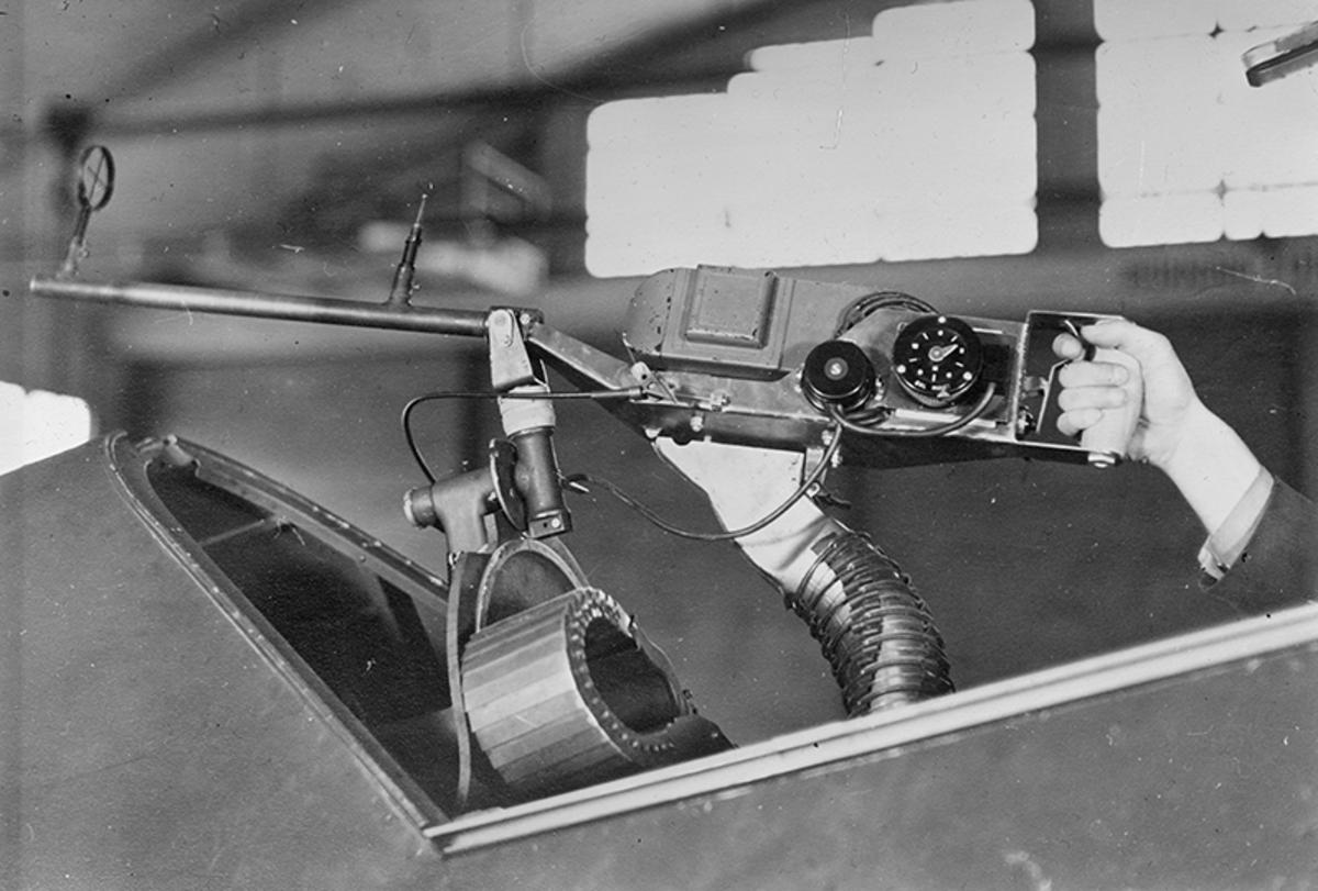 Kulsprutekamera KK3, atrapp monterad i flygplan S 17