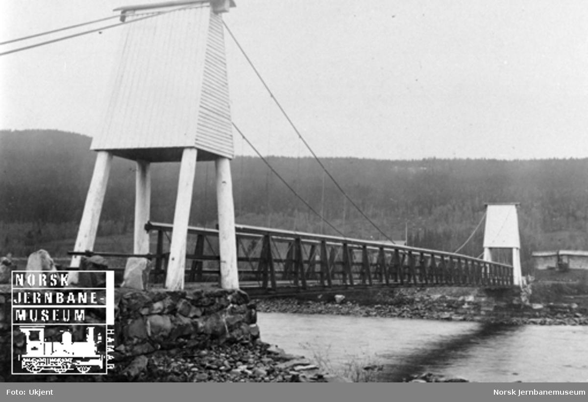 Vegbroen ved Singsås stasjon