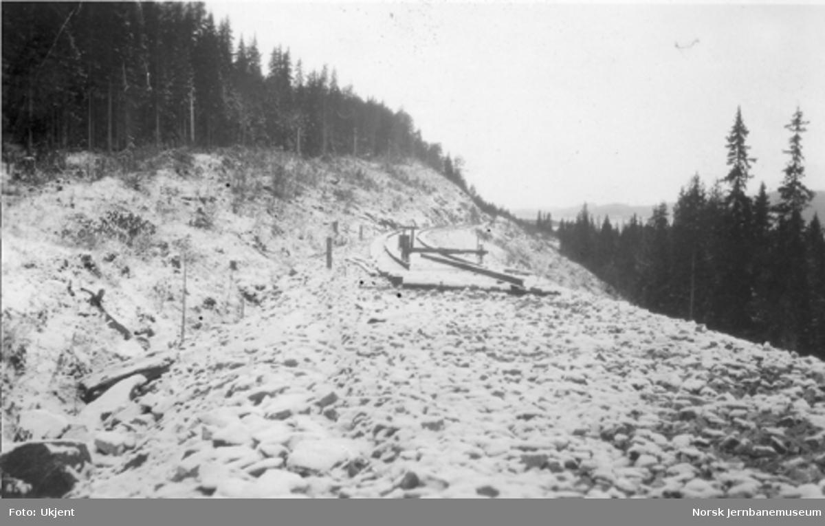 Skinnelegging ved Sunnan-Grongbanens 3. avdeling med skinnetippen ca. 2 km nord for Snåsa, sett nordfra