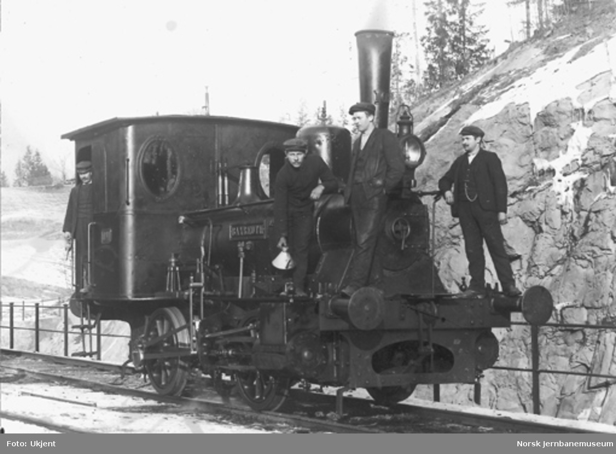 """Damplokomotivet """"Bayreuth"""", tilhørende Glommen Træsliperi på Askim"""