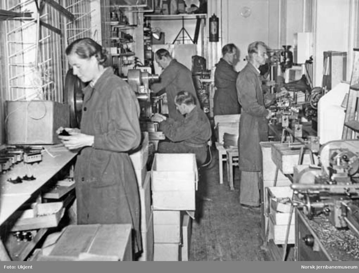 Bakkes produksjonslokale og ansatte