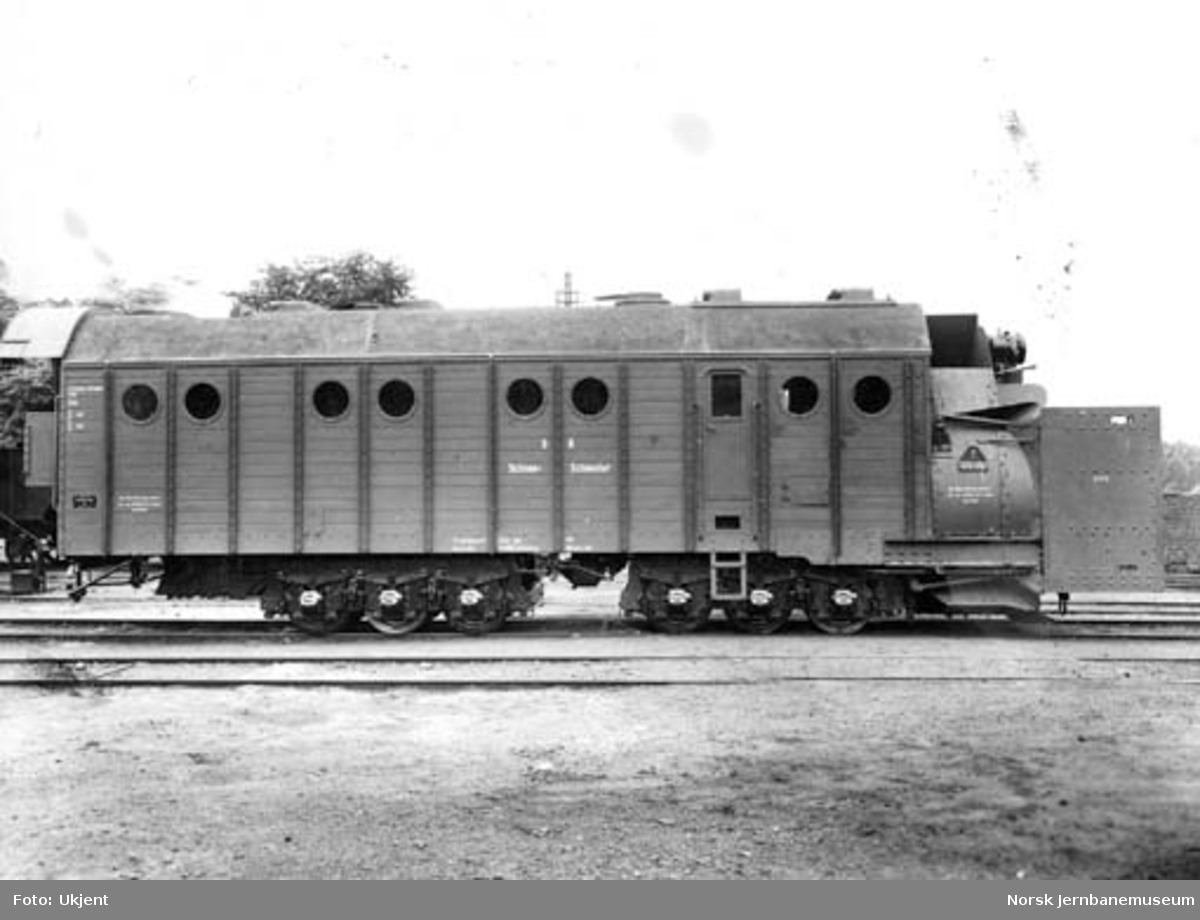 Fabrikkfoto av Henschel-bygd roterende snøplog nr. 27172 til Deutsche Reichbahn