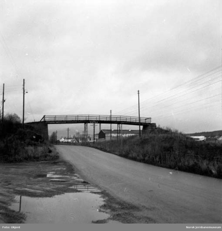 Bru over Nordvikvegen og jernbanen på Hamar