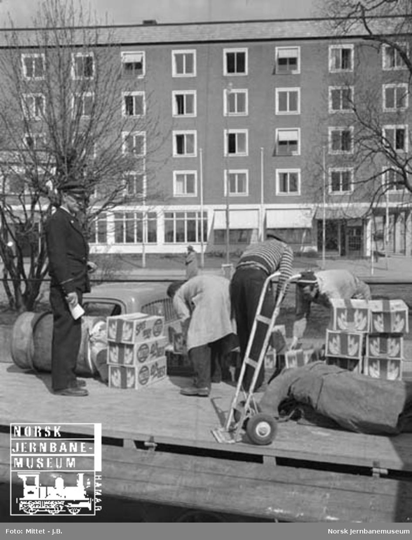 Lågendalsruten : godsbehandling på rampa i Larvik