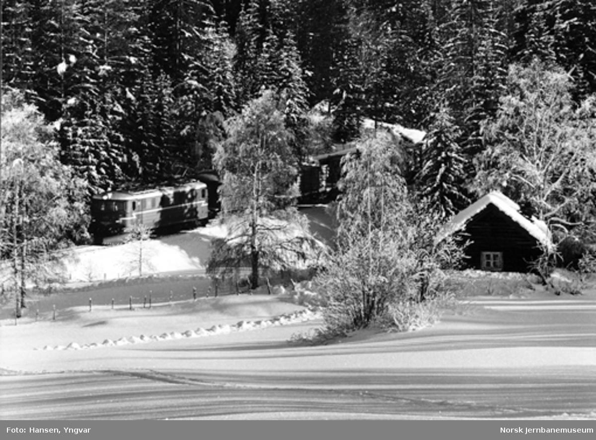 Lokalgodstoget Roa-Hønefoss ved Grindvoll
