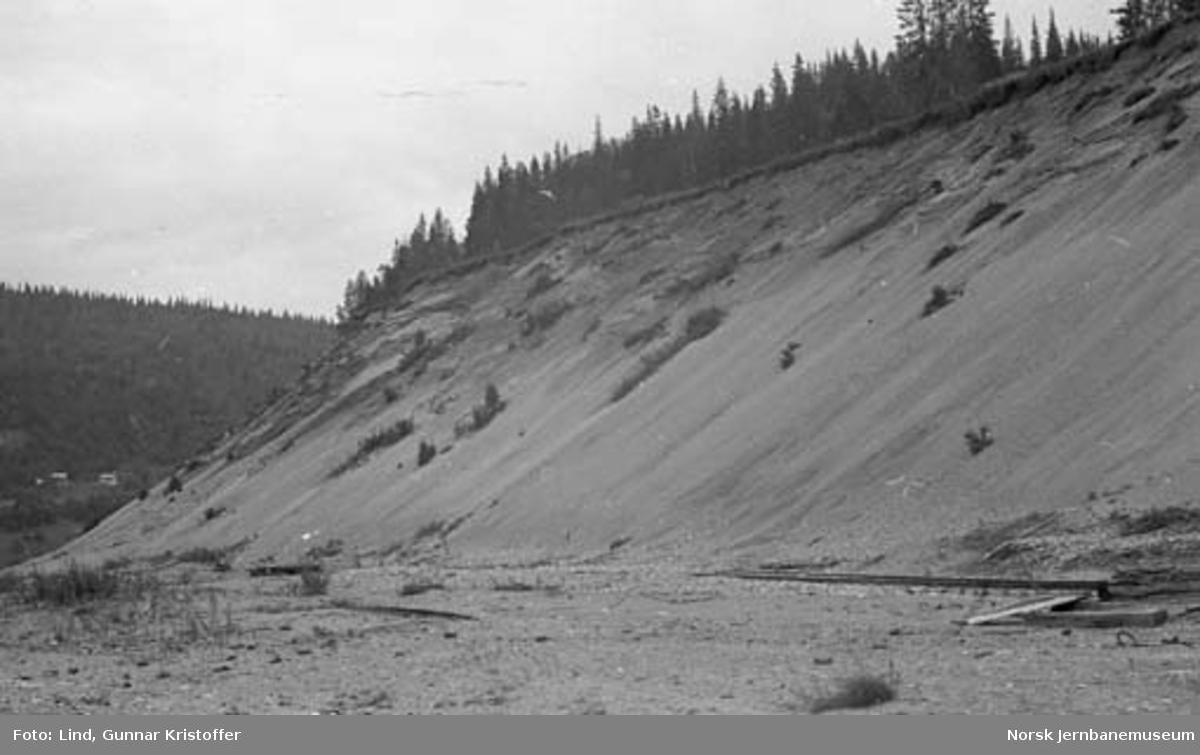 Dunderlandsbanens ombygging : Mjølalia grustak