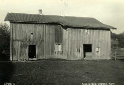 Klokkerud, Enebakk, Nedre Romerike, Akershus. Gammel grå byg